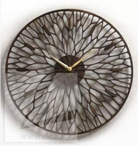 Часы из дерева тонированные