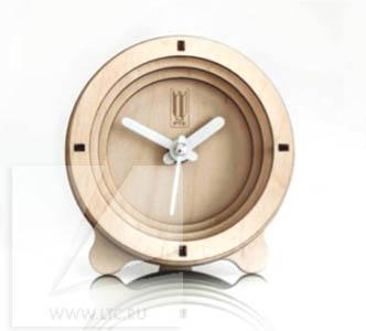 Часы настольные из дерева