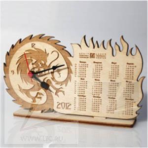Часы-календарь настольные из дерева